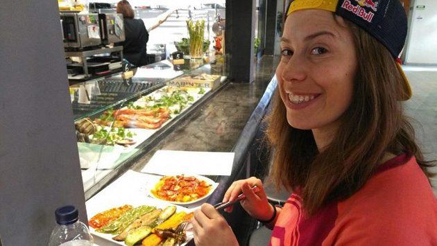 Eva Samková si pobyt ve Španělsku před světovým šampionátem zpestřila v Barceloně.