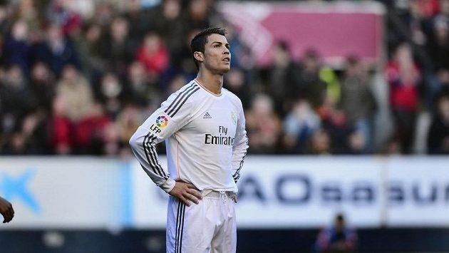 Nespokojený fotbalista Realu Madrid Cristiano Ronaldo.