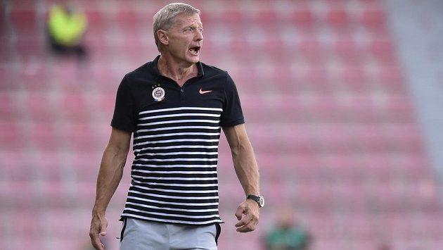 Trenér Sparty Zdeněk Ščasný měl 20 minut důvod ke spokojenosti, pak nevěřil svým očím.