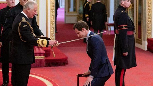 Andy Murray byl princem Charlesem pasován na rytíře.