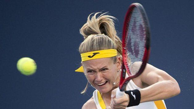 Marie Bouzková v zápase proti Sereně Williamsové.