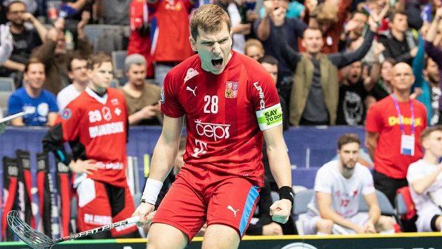 Matěj Jendrišák oslavuje gól při předloňském MS v Praze.
