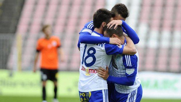 Radost hráčů Znojma z gólu proti Liberci.