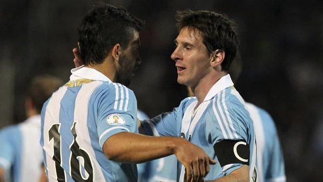 Lionel Messi oslavuje gól v kvalifikačním utkání proti Uruguayi