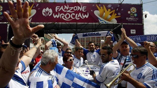 Ve Vratislavi bylo řeckým fanouškům ještě hej. Na další EURO se však už nepodívají...