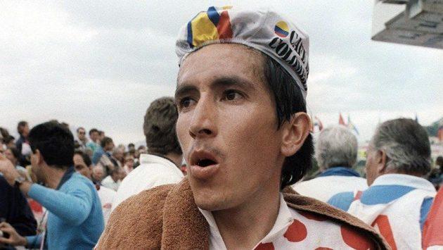 Kolumbijský cyklista Luis Herrera na snímku z července roku 1987 při Tour de France.