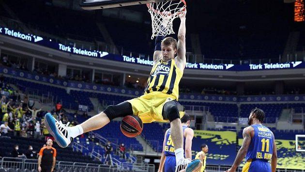 Basketbalista Jan Veselý z Fenerbahce Istanbul v utkání Evropské ligy. Ilustrační foto.