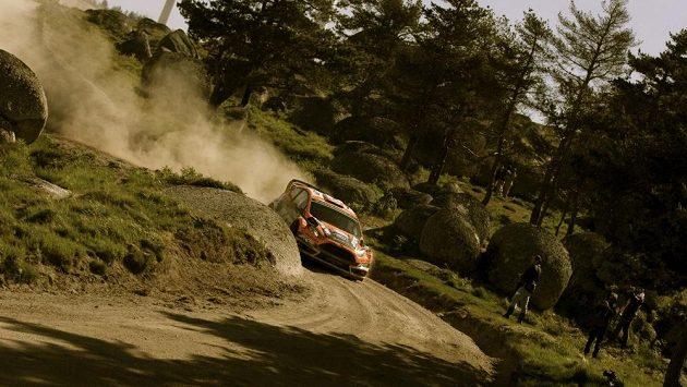 Martin Prokop na trati Portugalské rallye s novou Fiestou WRC.