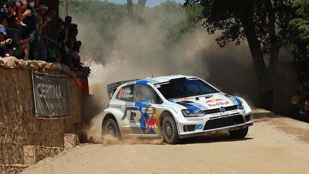 Francouz Sebastian Ogier během Italské rallye, kterou vyhrál.