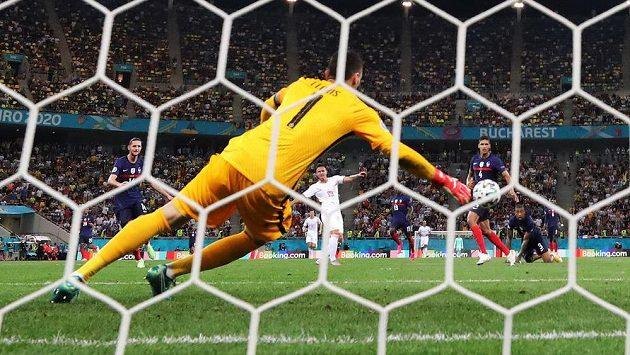Střídající Švýcar Mario Gavranovic vyrovnal v 90. minutě na 3:3 a poslal zápas do prodloužení.
