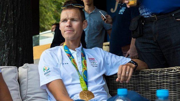 Slovenský atletický svaz zrušil dočasnou suspendaci chodce Mateje Tótha (34). Rozhodnutí disciplinárky bude ještě posuzovat jednotka pro integritu atletiky Mezinárodní atletické federace IAAF a Světová antidopingová asociace WADA.