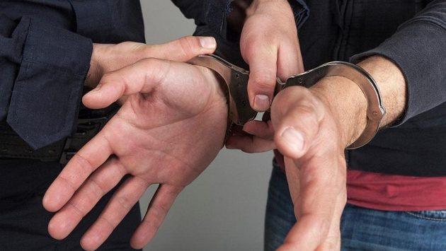 Násilník byl zadržen a ve sportovním týmu univerzity už ho nechtějí (ilustrační foto)