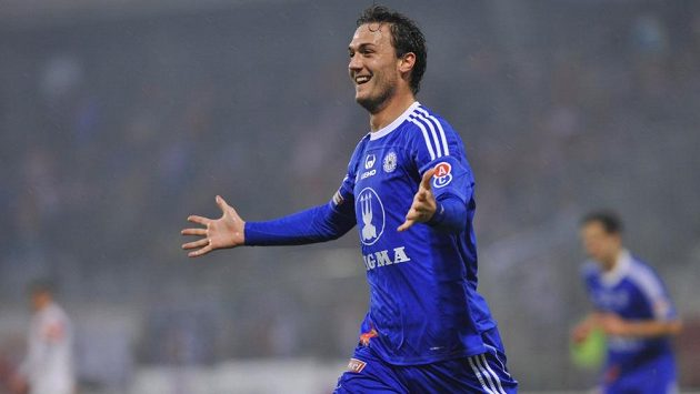 Martin Doležal z Olomouce se raduje z gólu.