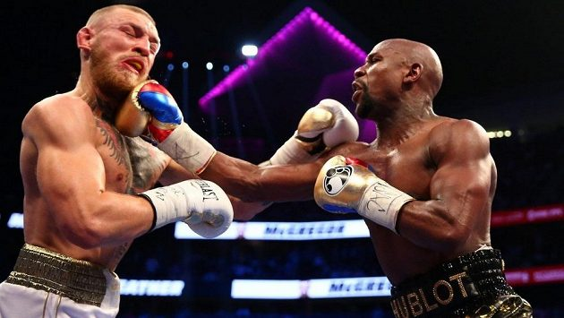 Floyd Mayweather a Conor McGregor si dali boxerský souboj na konci srpna v Las Vegas. V 10. kole vyhrál Američan.
