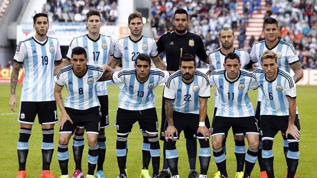 Týmová fotografie Argentinců před přípravným duelem se Slovinskem.