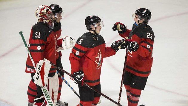 Radost kanadských hokejistů do 20 let. Ilustrační foto.