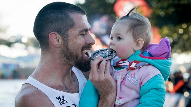 Otec a dcera nejen že nastavili nový světový rekord, zároveň také vyhráli celý závod.