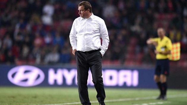Trenér Pavel Vrba bude hráčům připomínat, že Island je jiný soupeř...