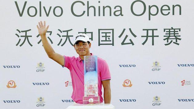 Čínský golfista Wu A-šun ovládl turnaj Volvo Open v Šanghaji.