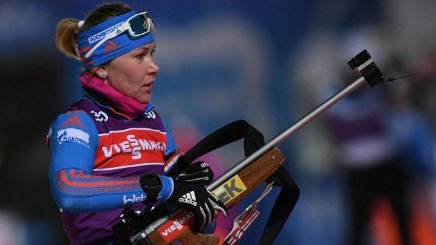 Ruská biatlonistka Jekatěrina Glazyrinová čelí podezření z dopingu.
