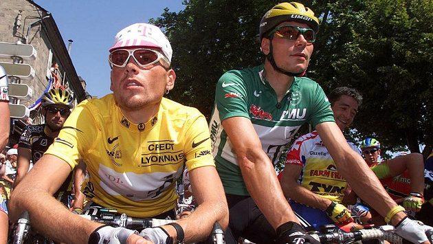 Jan Ullrich (ve žlutém trikotu) na Tour de France v roce 1998. Vpravo Erik Zabel.
