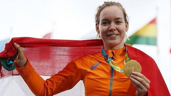 Nizozemská olympijská vítězka v silniční cyklistice Anna van der Breggenová.