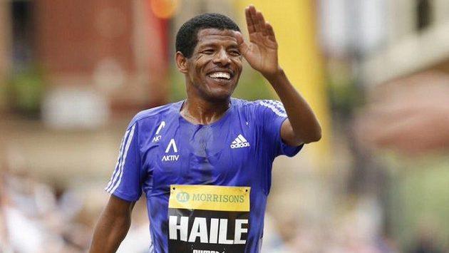 Vytrvalecká legenda Haile Gebrselassie virtuálně absolvuje silvestrovský běh v Trevíru.