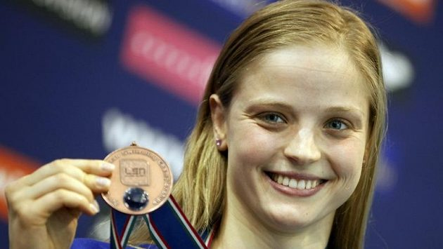 Simona Baumrtová s bronzovou medailí.