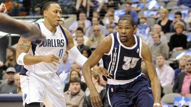 Oklahomský Kevin Durant v utkání proti Dallasu.