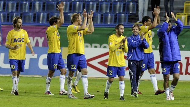 Fotbalisté Teplic se radují z výhry nad Jihlavou.