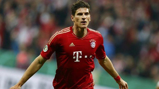 Mario Gomez se blýskl hattrickem za pouhých sedm minut hry a přispěl k vysoké výhře Bayernu.