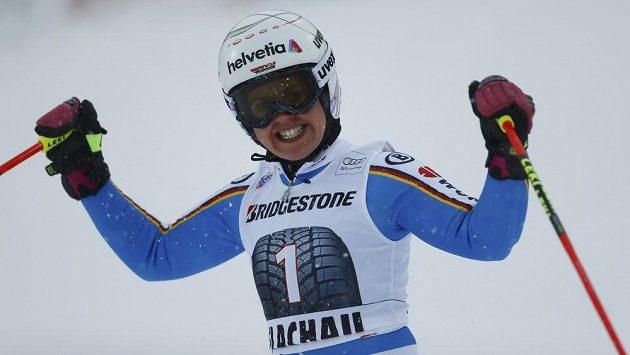 Němka Rebensburgová slaví triumf ve Flachau.