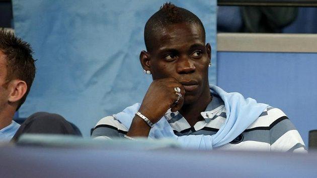 Mario Balotelli si možná za Manchester City teď nějaký čas nezahraje.