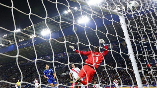 Fotbalisté Leicesteru uhráli i v dfeseti remízu.