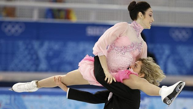 Pár Meryl Davisová and Charlie White ze Spojených států amerických během krátkého tance na olympiádě v Soči.