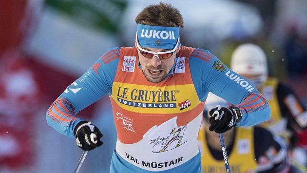 Ruský běžec na lyžích Sergej Usťugov vyhrál ve švýcarském Val Müstair i druhou etapu Tour de Ski.