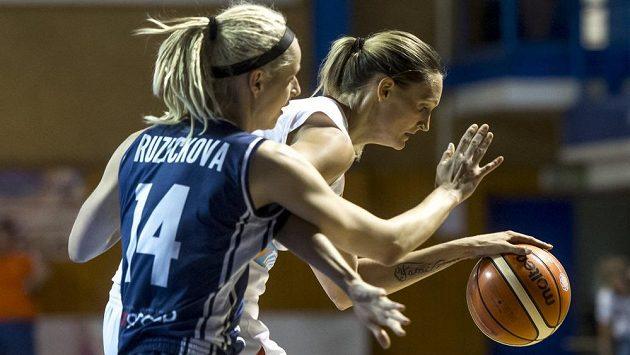Marie Ružičková (vlevo) ze Slovenska a Petra Kulichová.
