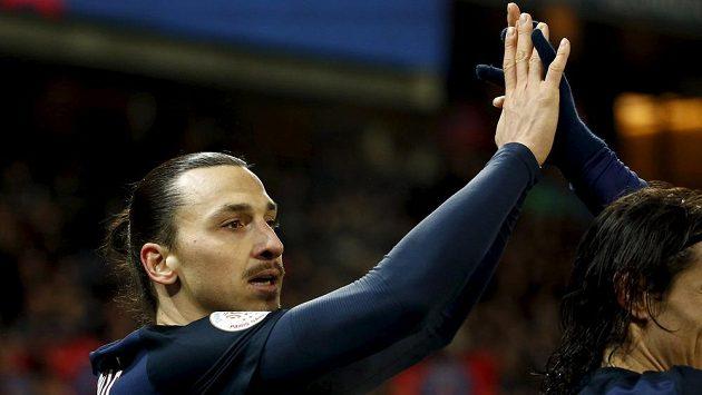 Zlatan Ibrahimovic slaví vstřelený gól. Trefí se i proti Chelsea?
