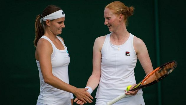 Greet Minnenová (vlevo) a Alison Van Uytvancková.