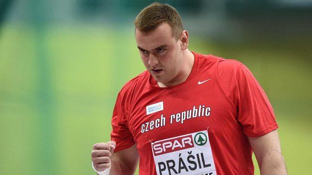 Radostné gesto Ladislava Prášila během kvalifikace halového mistrovství Evropy v atletice.