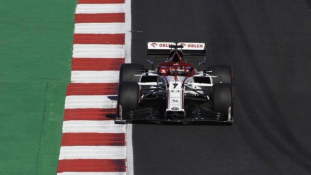 Fin Kimi Raikkönen na voze Alfa Romeo.