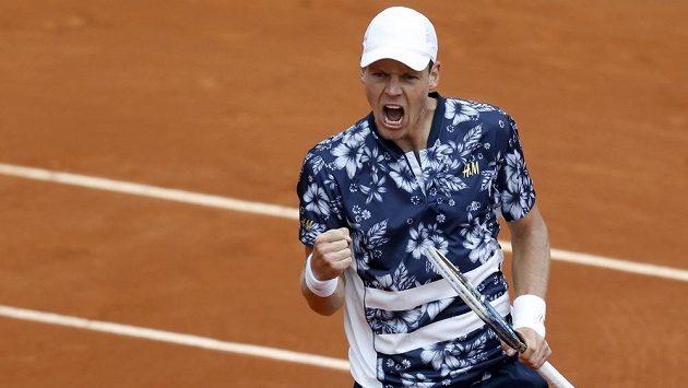 Radost ve tváři Tomáše Berdycha po postupu do 3. kola French Open.