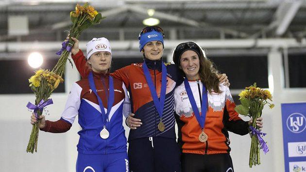 Martina Sáblíková po vítězství na trati 5 tisíc metrů.