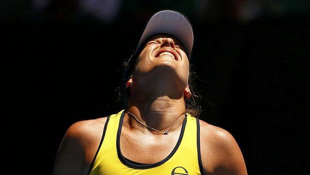 Nespokojená česká tenistka Barbora Strýcová během osmifinále Australian Open.