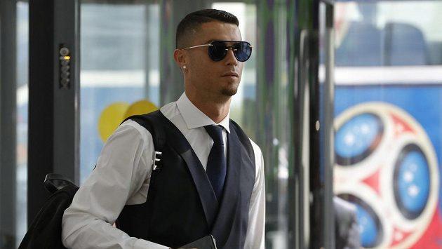 Cristiano Ronaldo při odletu z MS.