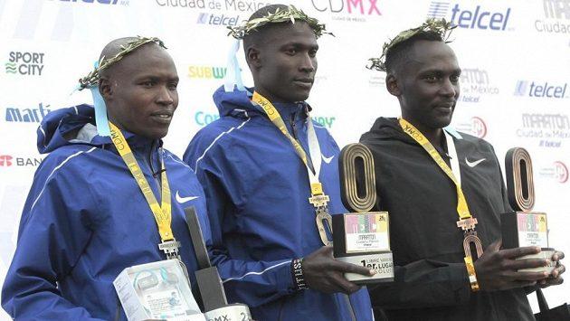 """Keňští běžci si své """"O"""" museli poctivě odmakat."""