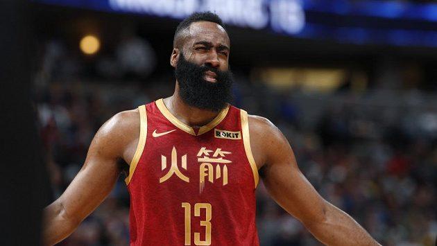 Basketbalista Houstonu James Harden.