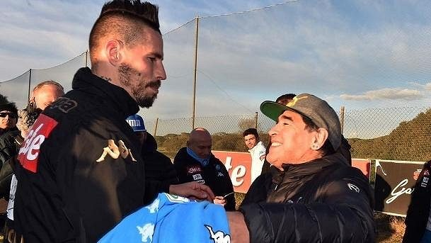 Marek Hamšík a Diego Maradona.