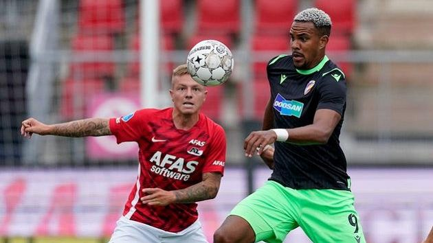 Plzeňský Jean-David Beauguel během utkání v Alkmaaru.