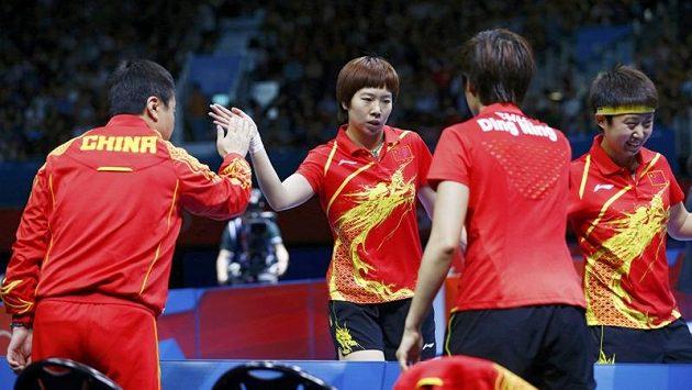 Čínské stolní tenistky ovládly soutěž družstev.